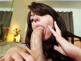 Good Girl Goes Down On Dick And Tries Not To Gag